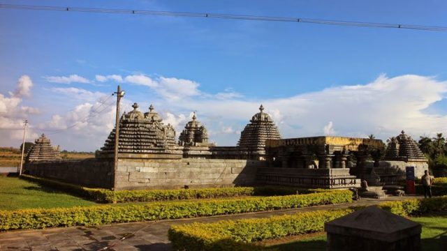 The Indian Journeys SOUTH INDIAN TOURS SOUTH INDIAN TOURS