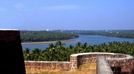 chandragiri_fort_river20131031103019_165_1